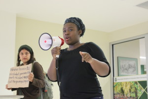 "Vaniesha Gregory protesting the ASCSU student government after an initial ""no vote"" of the Diversity Bill. (Photo: Christina Vessa.)"